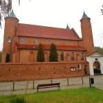 Chopins Taufkirche in Brochow (C) Conti-Reisen