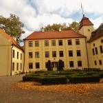 Krokowa Schloss im Herbst (C) Conti-Reisen
