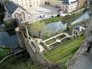 Luxemburg: Unterstadt mit Alzette 2 (c) Krumpen