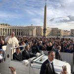 Papst auf dem Petersplatz (C) DOMRADIO.DE