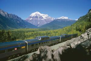 """20 Stunden braucht der """"Canadian"""" für die kurvenreiche Etappe durch die Rocky Mountains."""